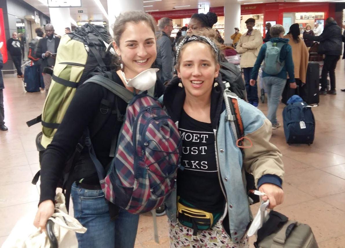 CORONAVIRUS: Vrijdag zijn de laatste vrijwilligers (2 stagiaires actief in Gatagara) met de allerlaatste vlucht uit Rwanda naar ons land terug gekeerd.