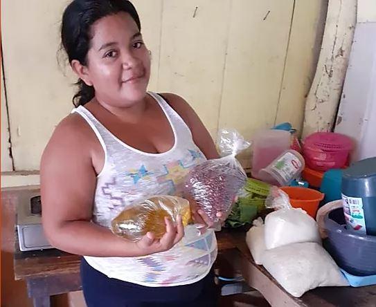 Noodrantsoenen in Nicaragua - Claudia en gezin